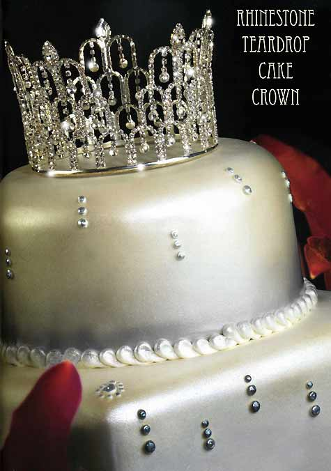 You can have the Crown as the theme of your Wedding Reception