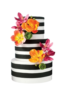 2015-Wedding-Cake-Trends floral modern sleek toronto GTA envy cake